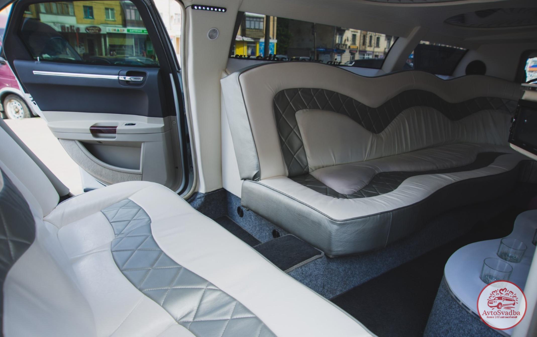 Салон лимузина Chrysler 300С