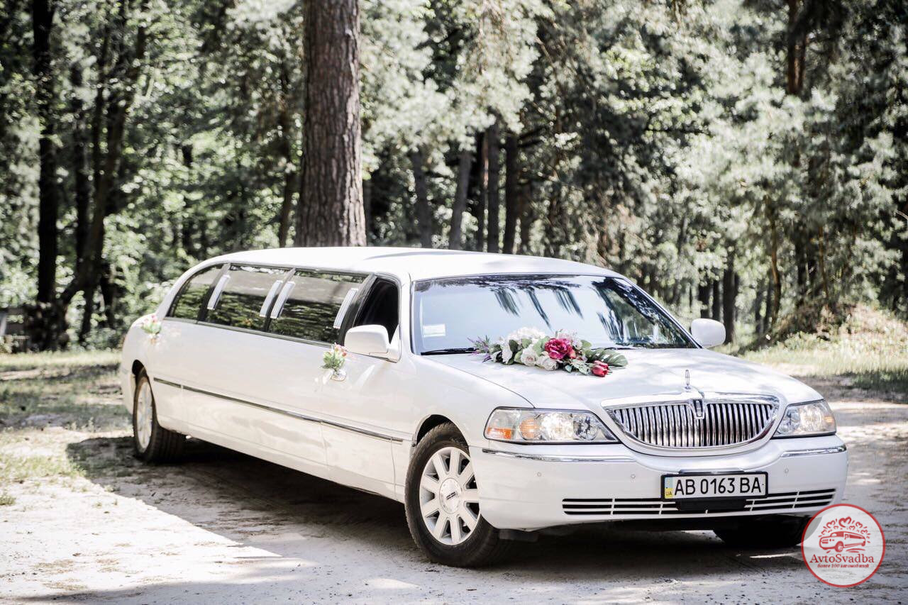 Арнеда лимузина Линкольн Таун